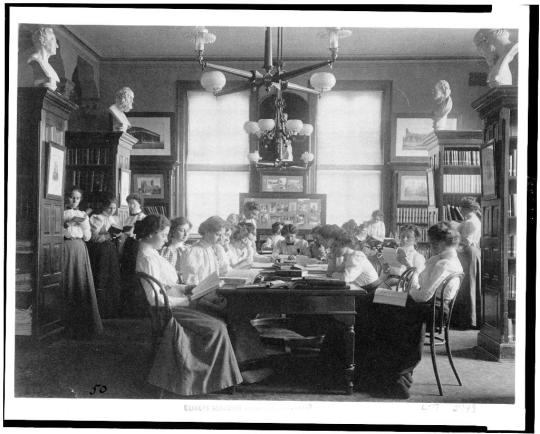 Group of young women reading in library of normal school, Washington, D.C., 1899. Photo by Johnston Frances Benjamin, courtesy Frances Benjamin Johnston Collection, Library of Congress Prints & Photographs Division. https://www.loc.gov/item/90711146/